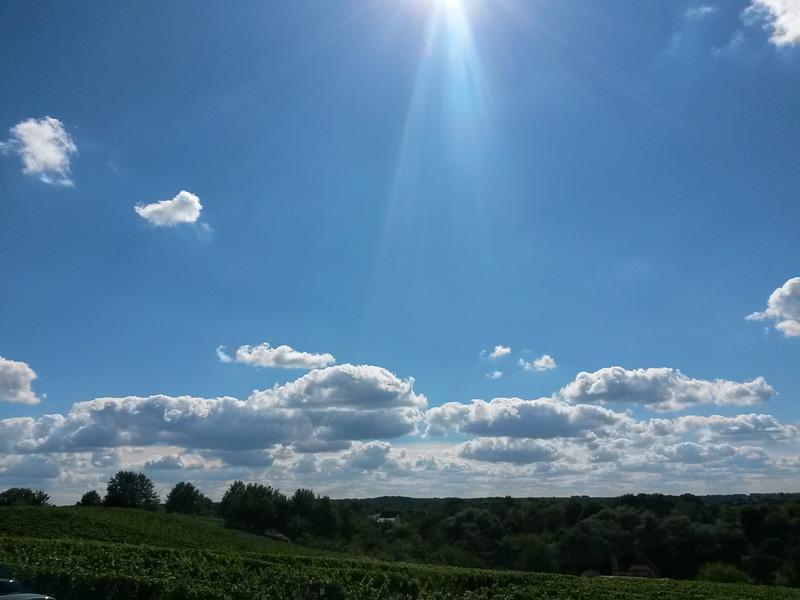 Himmel und Landschaft, oben Solarflare